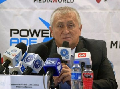 El colombiano Eduardo Lara, nuevo seleccionador de fútbol de El Salvador