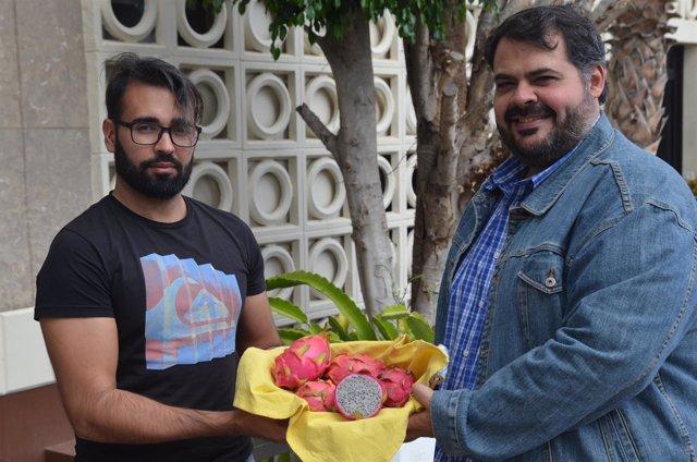 Simón Moreno y Antonio Hernández apuestan por la pitahaya grancanaria