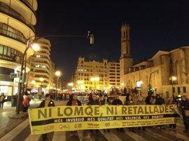 """Una manifestación protesta por la suspensión """"momentánea y estratégica"""" de las 'reválidas' y contra la LOMCE"""