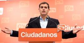 Albert Rivera organiza un encuentro con militantes en Valencia, cuna de sus críticos