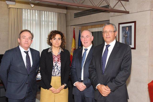 Reunión de CESM con la ministra de Sanidad, Dolors Montserrat