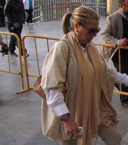 Maite Zaldívar a su entrada a los juzgados