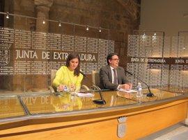"""La Junta destaca que el Gobierno """"entiende"""" que Extremadura """"necesita"""" apoyo en empleo"""