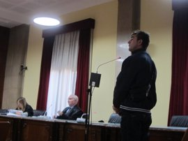 Condenado a seis años de prisión por violar a una mujer en el portal de su casa