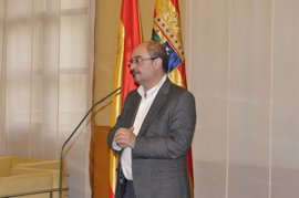 """Javier Lambán dice que """"las primarias han venido al PSOE para quedarse"""""""