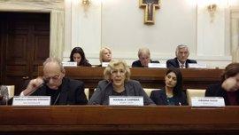 """El Papa pide a Carmena y Colau que le envíen """"buena onda"""""""