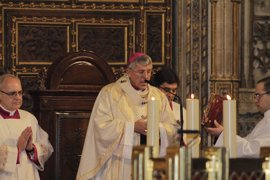 """Arzobispo de Toledo: """"No podemos seguir en el espectáculo y en el consumismo"""""""