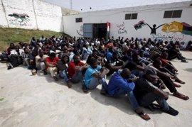 HRW insta al Gobierno libio a acabar con la tortura de inmigrantes bajo custodia policial