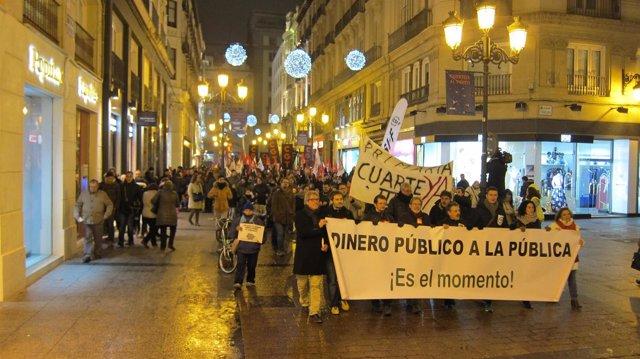 """Manifestación para reclamar no renovar conciertos educativos """"innecesarios"""""""