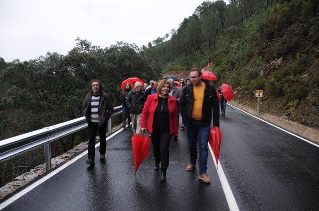 Inaugurada la carretera de Las Mestas en Cáceres