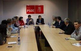 """La Ejecutiva de la FSA-PSOE """"cierra filas"""" en torno a Javier Fernández"""