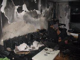 Tres personas heridas en el incendio de una vivienda en el barrio pamplonés de San Jorge