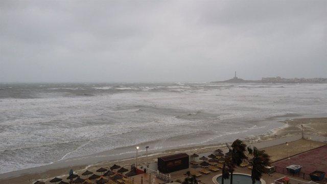Temporal en La Manga. Frío, oleaje, fenómenos costeros, lluvia y viento
