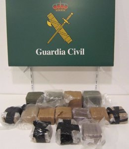 La droga interceptada por la Guardia Civil.