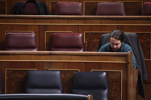 Pablo Iglesias solo en el Congreso