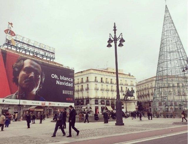 Cartel de 'Narcos' en la Puerta del Sol