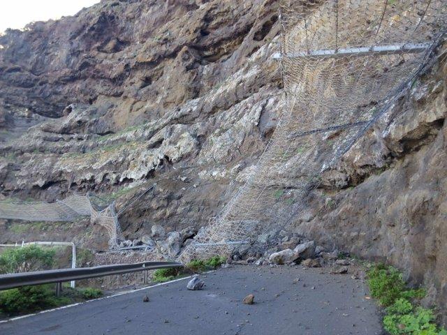 Carretera de La Aldea tras su último desprendimiento