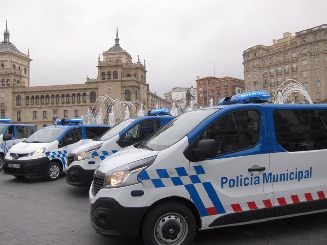 Furgonetas de la Policía Municipal de Valladolid