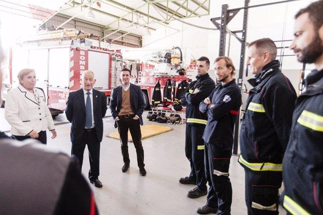 La Diputación ha visitado el Consorcio de Bomberos del Poniente.