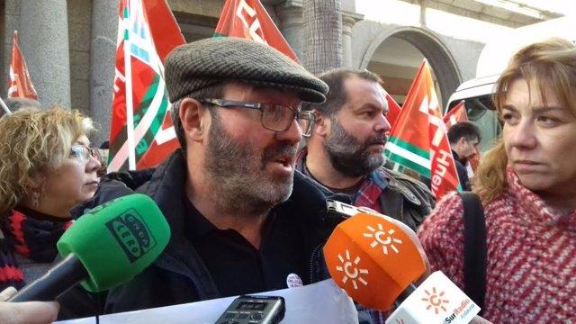 El coordinador de IULV-CA en Huelva, Pedro Jiménez.