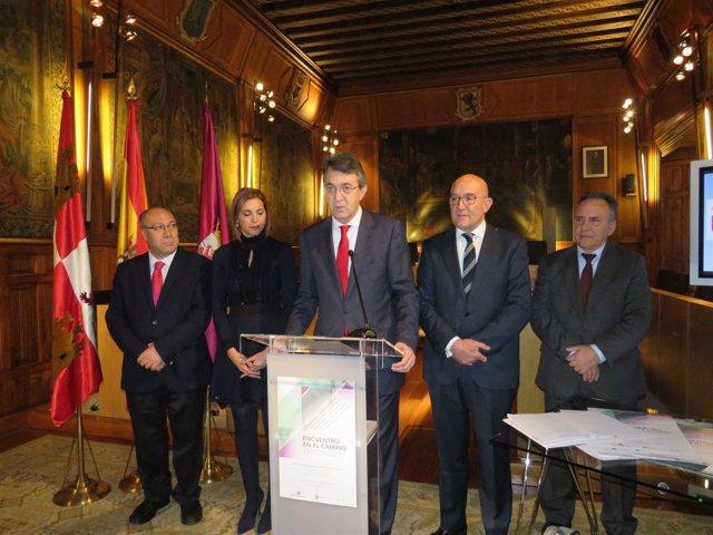 Martínez Majo (C) con Carnero (2D)