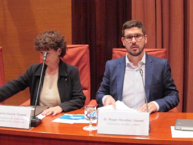 Carme García (Relaciones Institucionales) y Roger Herèdia (Banc d'ADN)