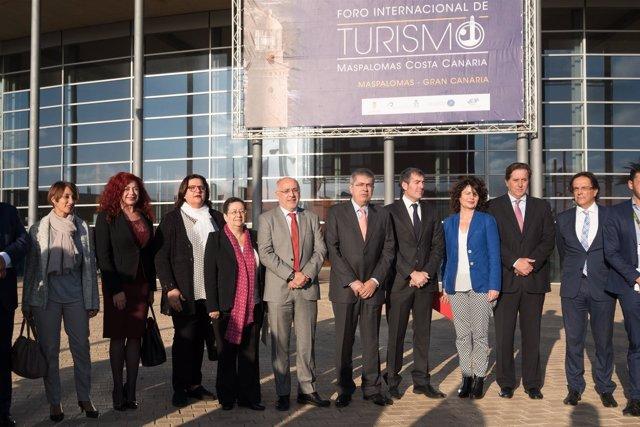 El presidente del Cabildo   hoy en el Foro de Turismo de Maspalomas