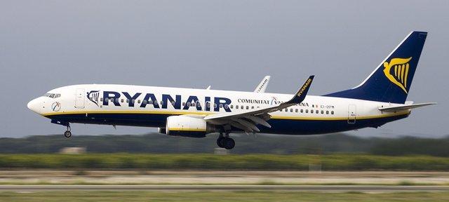 La aerolínea ha dotado de un avión más para verano la oferta en Manises, hasta 4