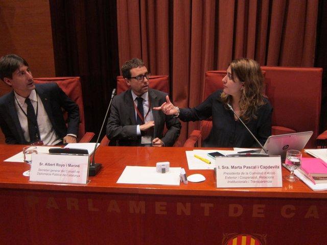 El secretario de Exteriores J.Solé, A.Royo (Diplocat) y la diputada M.Pascal.