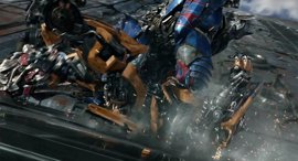 ¿Por qué Optimus Prime ataca a Bumblebee en Transformers 5: El último caballero?
