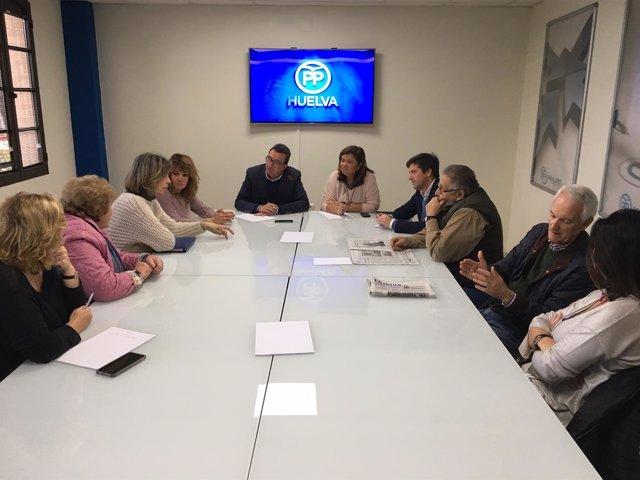Reunión del PP con Asociación de Amigos del Museo Onubense