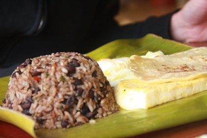 La receta tradicional del gallo pinto nicaragüense