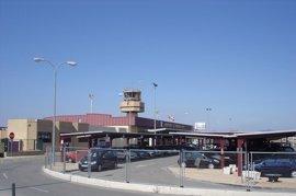 Cerrado el aeropuerto de Pamplona por la niebla que ha afectado a tres vuelos