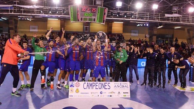 El FC Barcelona mantiene su hegemonía en la Copa Asobal