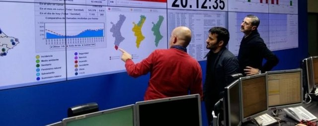El consejero valenciano de Educación visita el centro de emergencias