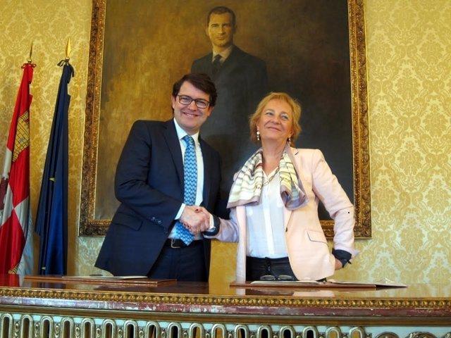 Fernández Mañueco Y Lombardero En La Casa Consistorial