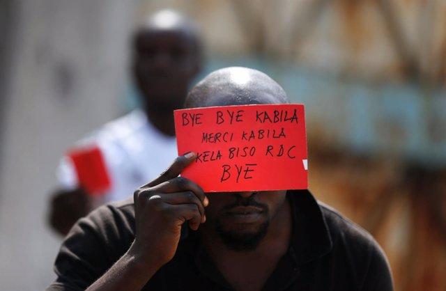 Manifestante contra Kabila en Kinshasa