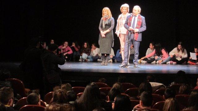 El alcalde de Oviedo en el Filarmónica con escolares