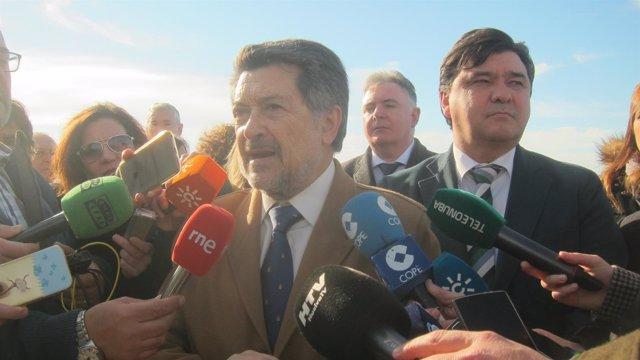 El presidente del puerto de Huelva, Javier Barrero.