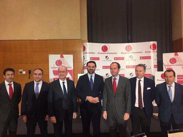 Consejero de Turismo con alcalde Málaga y Elías Bendodo ruiz espejo foro joly