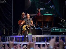 """Bruce Springsteen habla sobre su depresión: """"Todavía salta y muerde algunas veces"""""""
