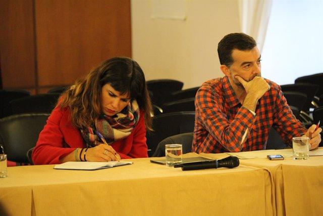 Líderes de Podemos e IU, Teresa Rodríguez y Antonio Maíllo, durante la reunión