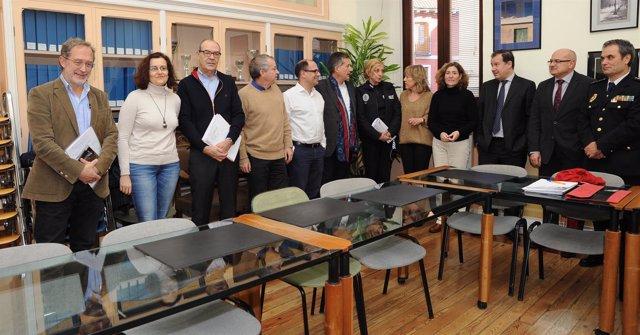 Reunión sobre cotillones entre el Ayuntamiento, Junta y Subdelegación