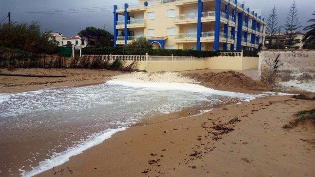Uno de los bancos de arena para proteger la primera línea