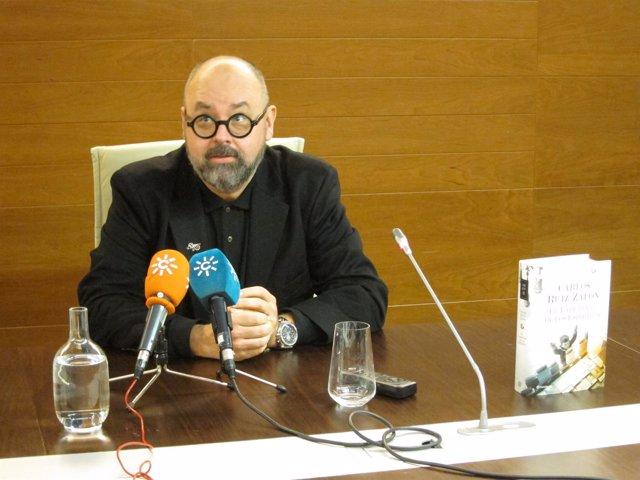 El escritor Carlos Ruiz Zafón,en Sevilla