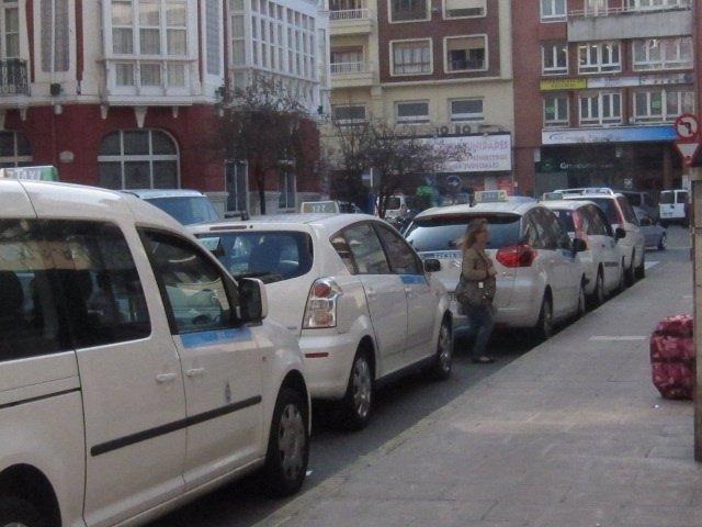 Parada Taxis En Santander, Estación Autobuses