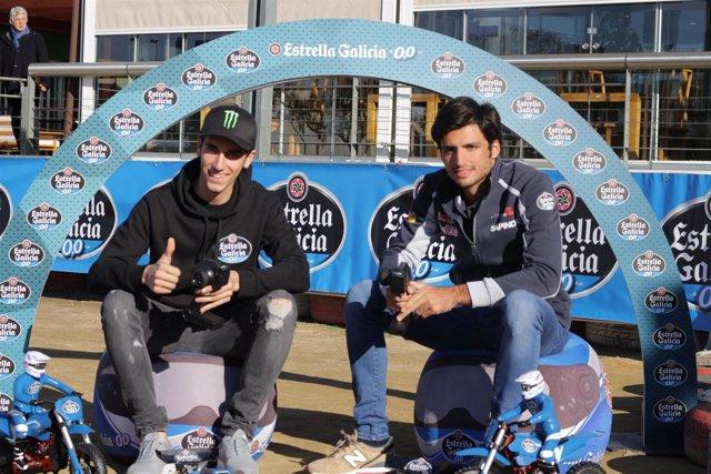 Álex Rins y Carlos Sainz en una acto de Estrella de Estrella de Galicia 0,0