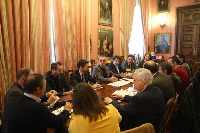 Reunión del grupo Conectando Sevilla con el Mundo
