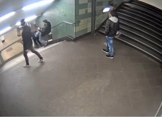 Detenido el autor de la agresión contra una mujer en el metro de Berlín