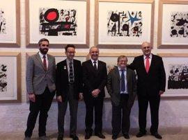Aldeas Infantiles abrirá su primer centro de día tras subastar diez litografías de Joan Miró